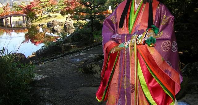 十二単と日本庭園